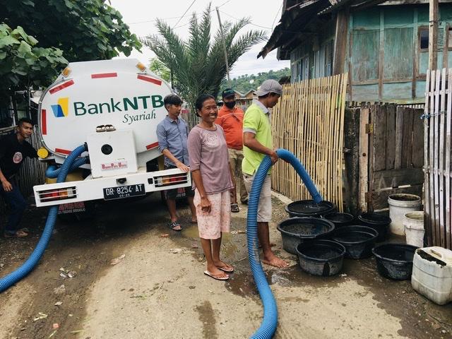 Bank-NTB-Syariah-Cabang-Bima-Kembali-Penuhi-Kebutuhan-Air-Bersih-Warga.html