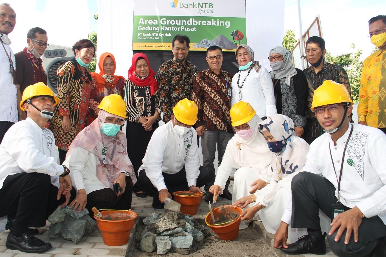 Bank-NTB-Syariah-Groundbreaking-Pembangunan-Kantor-Pusat.html
