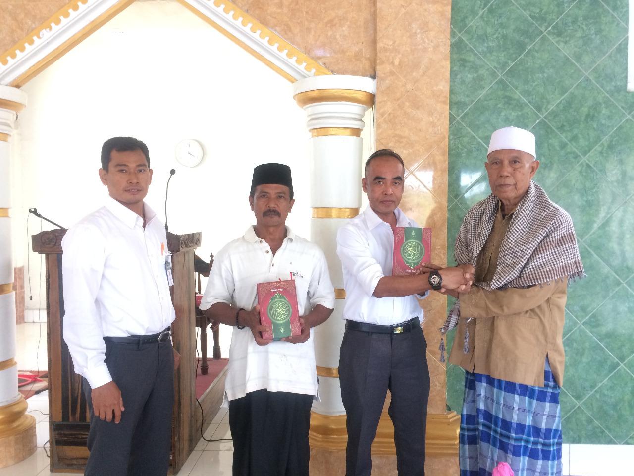 Distribusi-Wakaf-Al-Qur-an-Bank-NTB-Syariah-KCP-Kopang