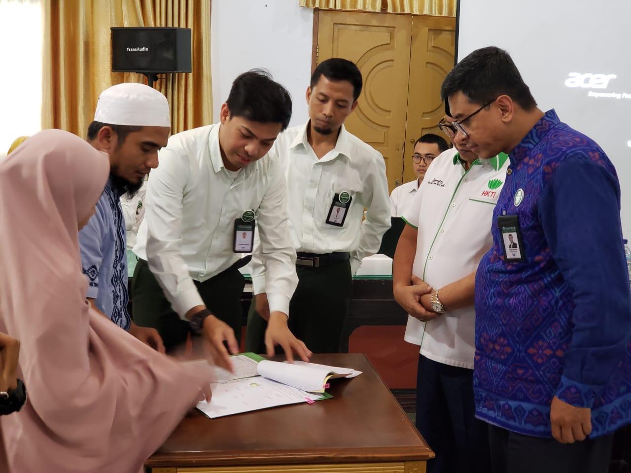 HKTI-NTB-dan-Bank-NTB-Syariah-Teken-Akad-Pembiayaan-Bawang-Putih.html