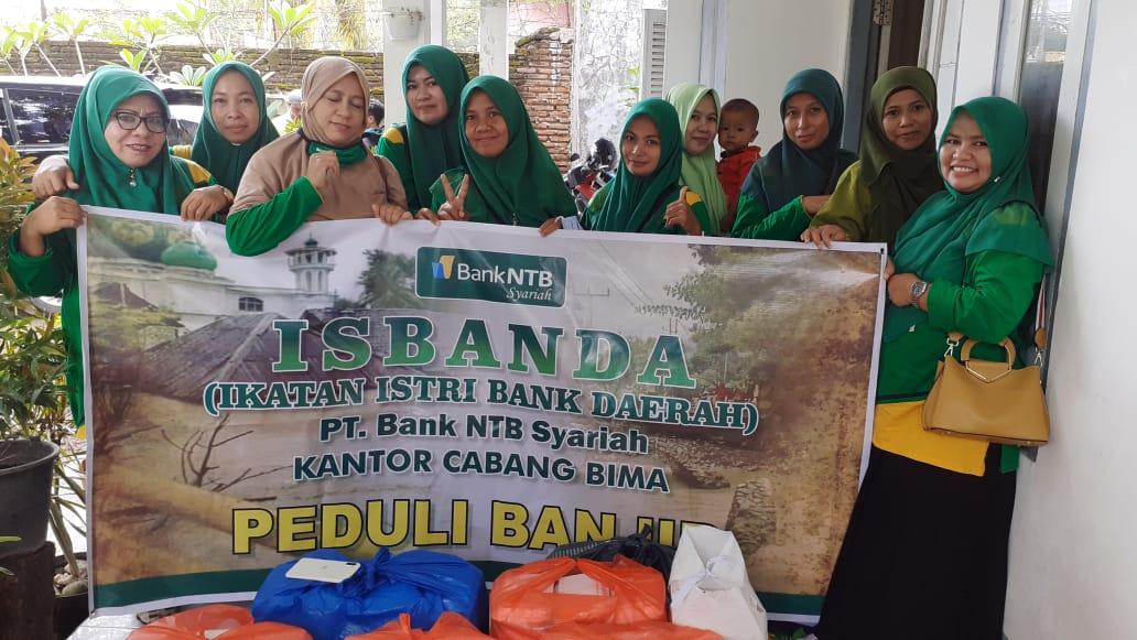 Isbanda_Bank_NTB_Syariah_Peduli_Salurkan_Bantuan_Korban_Banjir.html