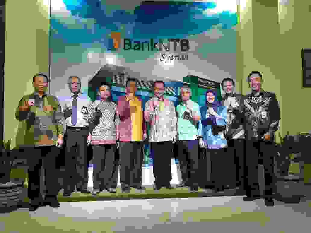 Persiapan_Konversi_menjadi_Bank_Umum_Syariah_Bank_Bengkulu_Studi_Banding_ke_Bank_NTB_Syariah