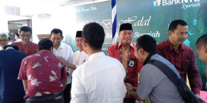 Samawarea-com-Keluarga-Besar-Bank-NTB-Syariah-se-Pulau-Sumbawa-Halal-Bihalal-di-Sumbawa