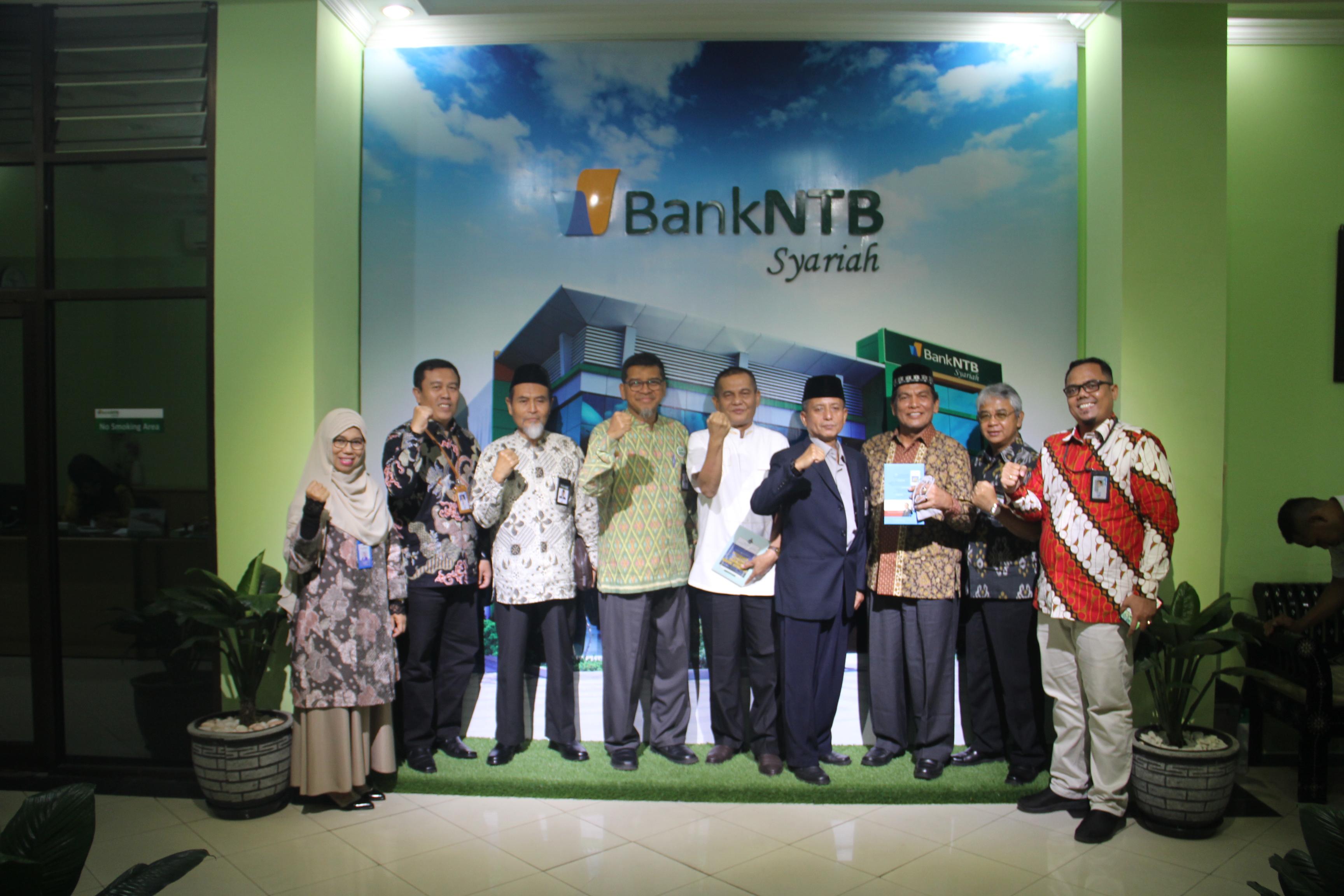 Studi_Banding_Bank_Nagari_ke_Bank_NTB_Syariah