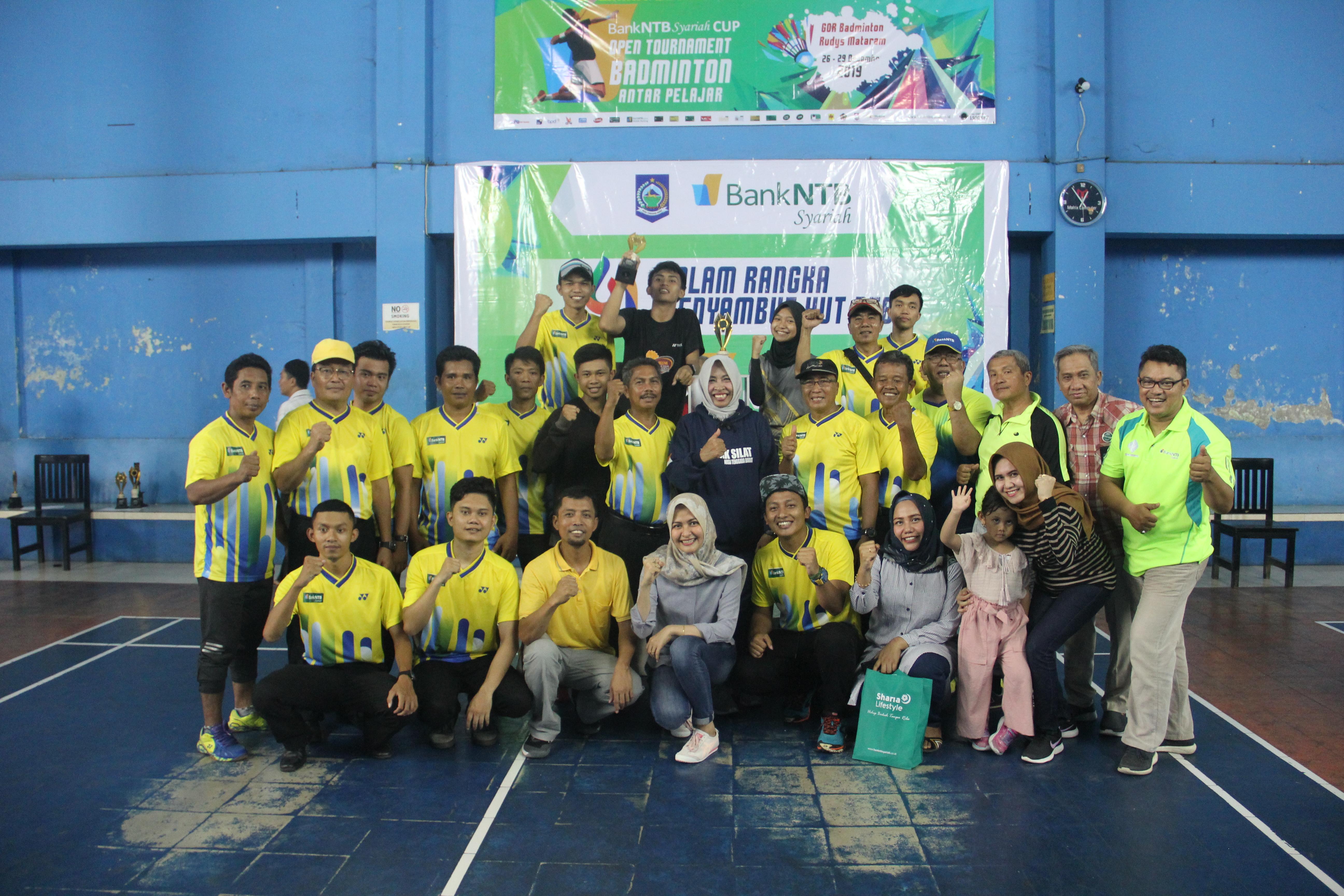 radarlombok-co-id-SMAN-1-Pemenang-Juara-Umum-Bank-NTB-Syariah-Cup-2019-